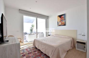 vente appartements rosas espagne, atico 99 m², suite parentale lit double accès terrasse