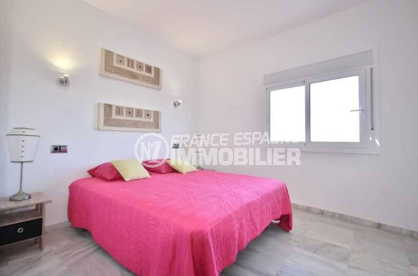 agence immobiliere empuriabrava: appartement ref.3758, chambre avec grand lit