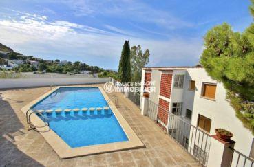 agence rosas: villa secteur calme, aperçu de la piscine communautaire