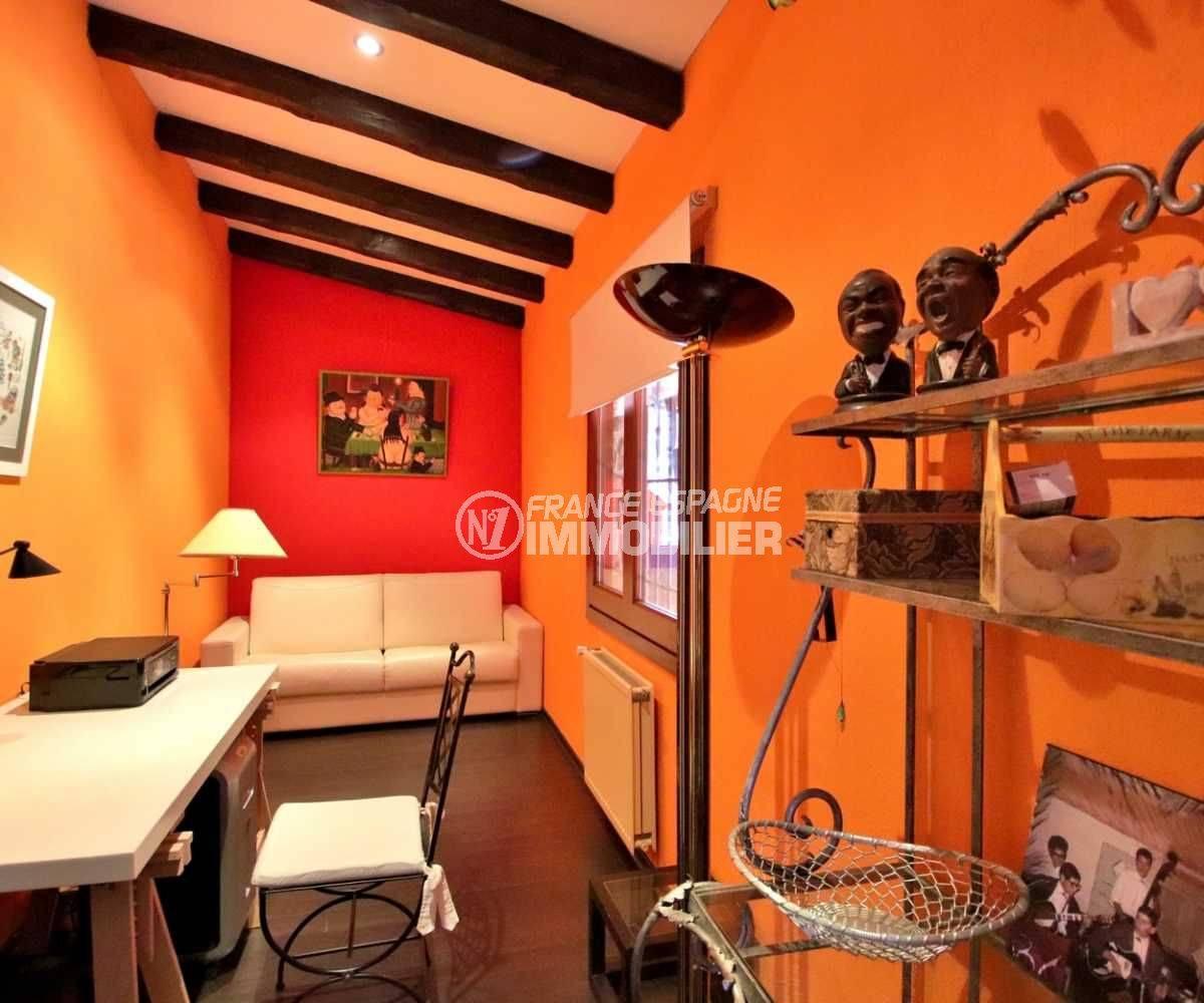 acheter sur la costa brava: villa 362 m², troisième chambre aménagée en bureau
