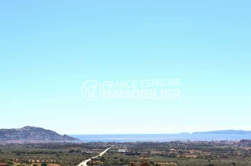 roses espagne: villa 241 m², vue sur la mer et les montagnes depuis la terrasse