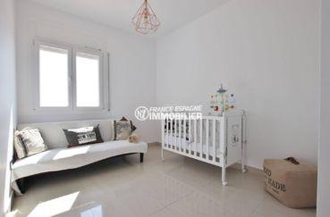 achat maison costa brava, terrain 930 m², troisième chambre avec possibilité lit bébé et canapé