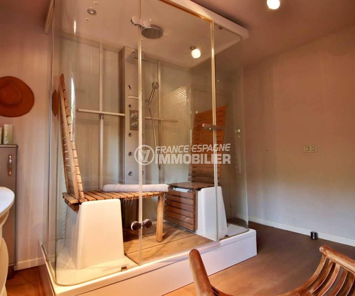 costa brava immobilier: villa 362 m², vue sur l'espace sauna et jacuzzi