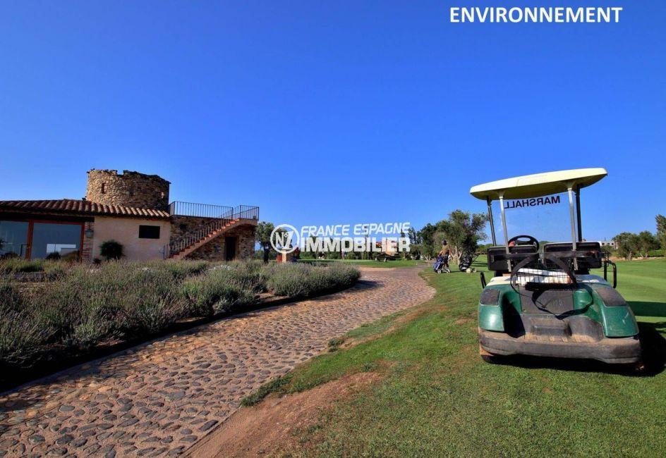 terrain à la portée de tous, école de golf à proximité