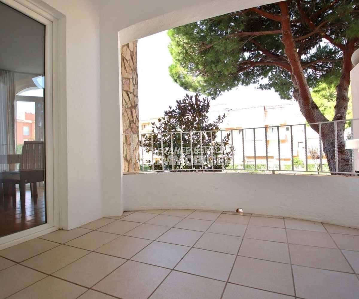 immo empuriabrava: appartement poche plage, terrasse 10 m² ref.3789