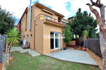 agence immobiliere costa brava: ref.3795, villa adossée au centre-ville, garage, possible piscine