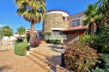 immo rosas: belle villa standing santa margarida avec piscine vue canal et amarre