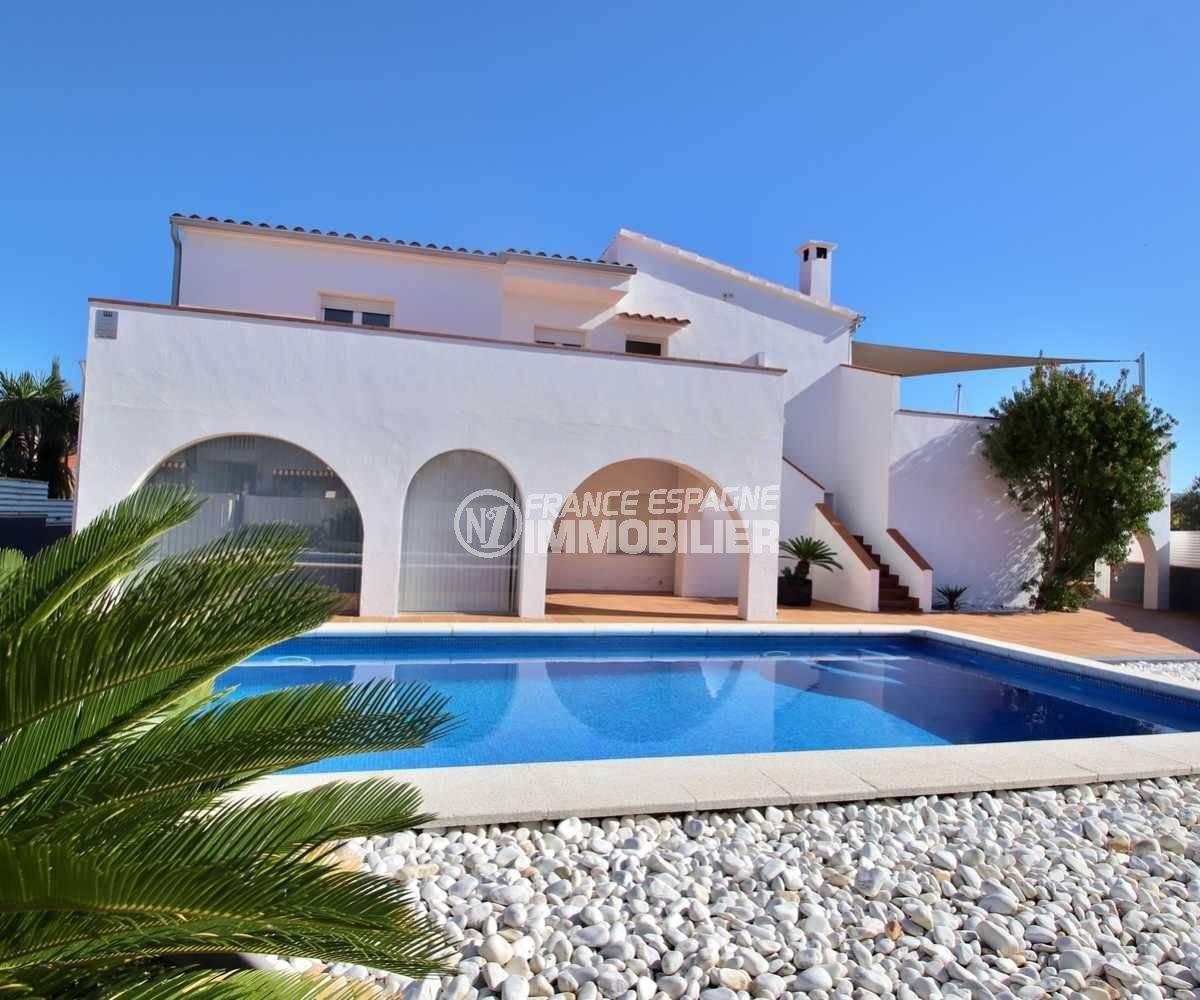 immo roses: ref.3796, villa de 260 m² construit sur terrain de 750 m² avec piscine