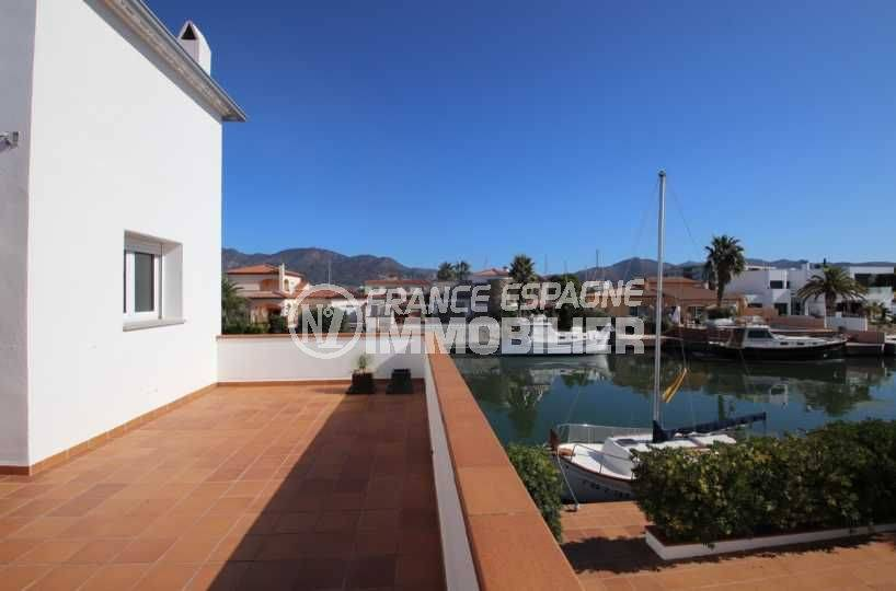 roses immobilier: villa ref.3796, aperçu de l'amarre depuis l'étage indépendant