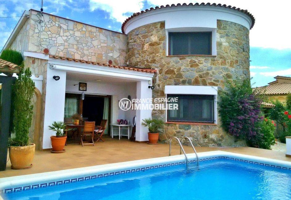 immo rosas: villa 292 m², avec terrain de 700 m² avec piscine vue canal