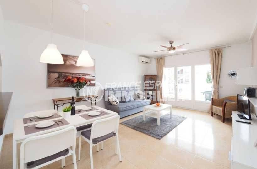 immo center empuriabrava - appartement rénové dans secteur prisé, ref.3783
