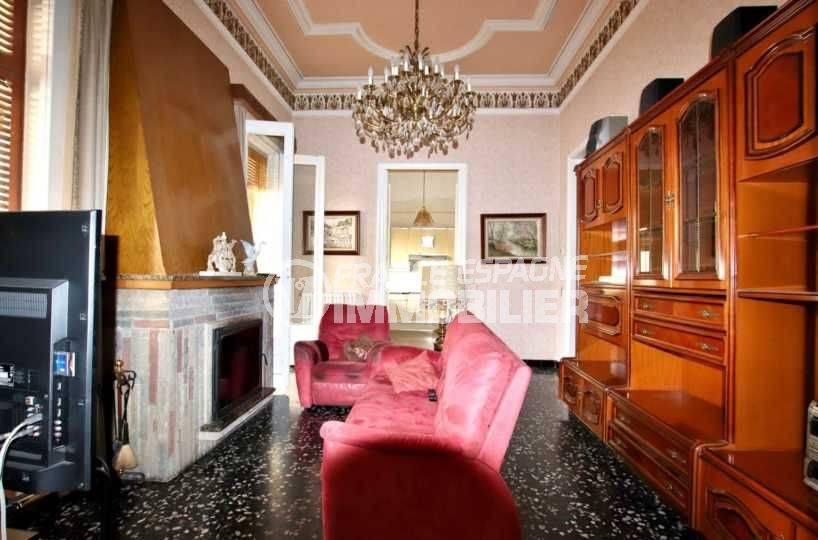 maison a vendre espagne, terrain 447 m², salon / séjour avec jolie cheminée