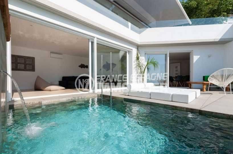 immo roses: villa contemporaine ref.3803, avec piscine et magnifique vue mer