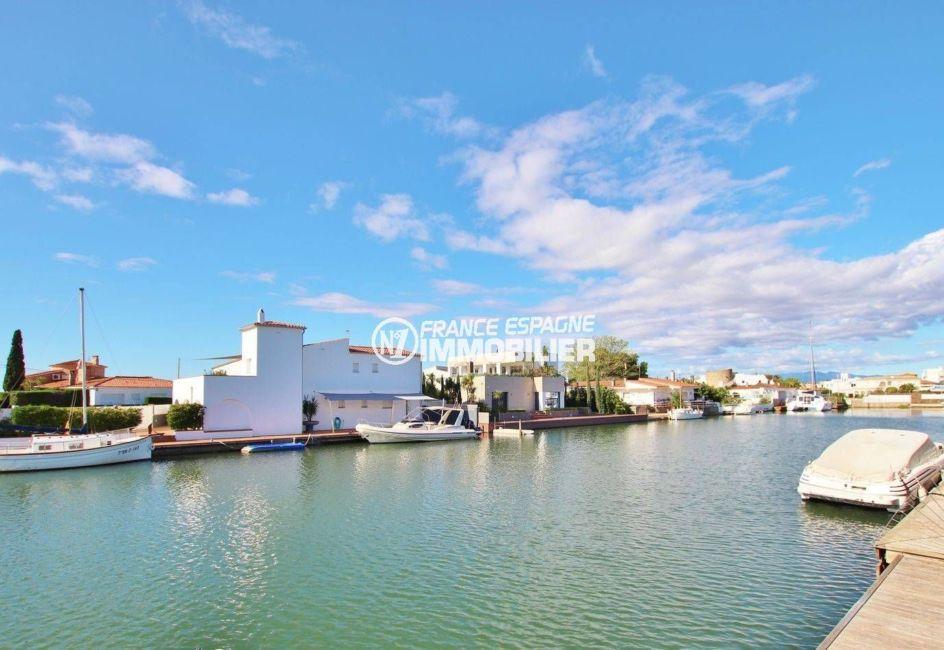 maison a vendre rosas, santa margarita, vue sur le canal depuis la piscine