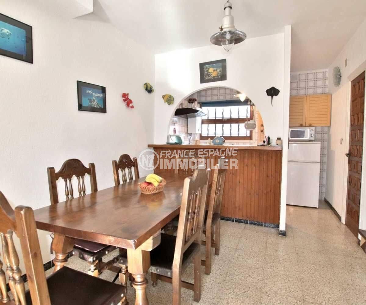 maison a vendre espagne, ref.3773, aperçu salle à manger et cuisine américaine aménagée