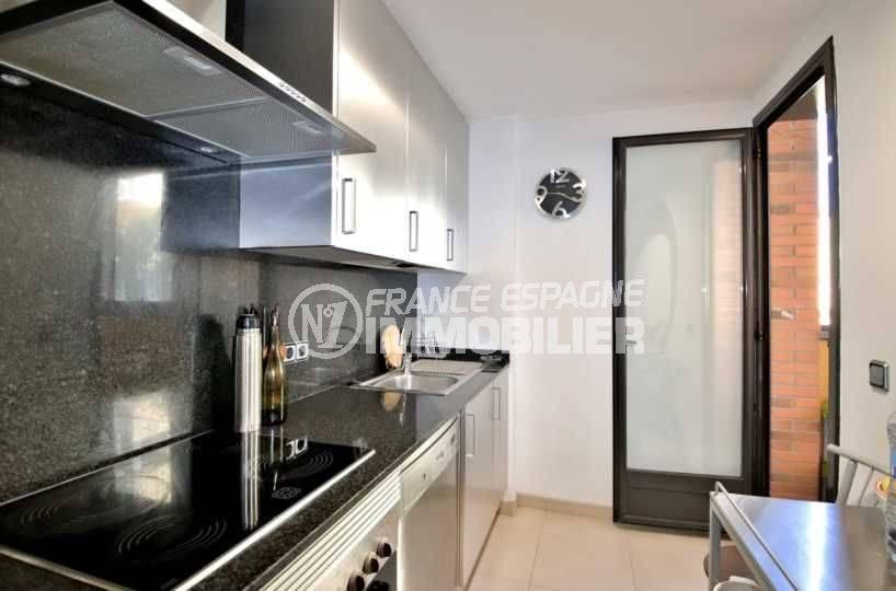 appartement a vendre rosas, ref.3797, cuisine indépendante avec accès terrasse