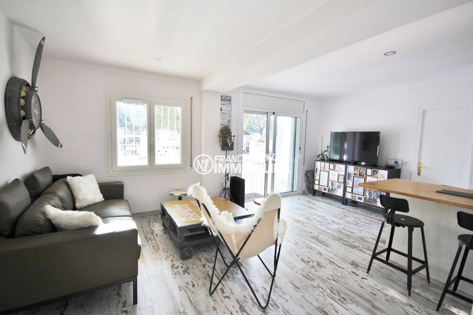 immo empuriabrava: villa ref.3802, séjour avec accès terrasse