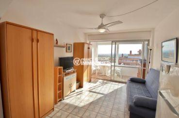immo rosas: appartement ref.3781, aperçu de la pièce principale avec véranda / vue mer