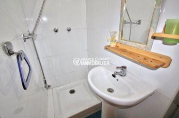 immobilier costa brava: studio ref.3788, sakke d'eau avec cabine douche