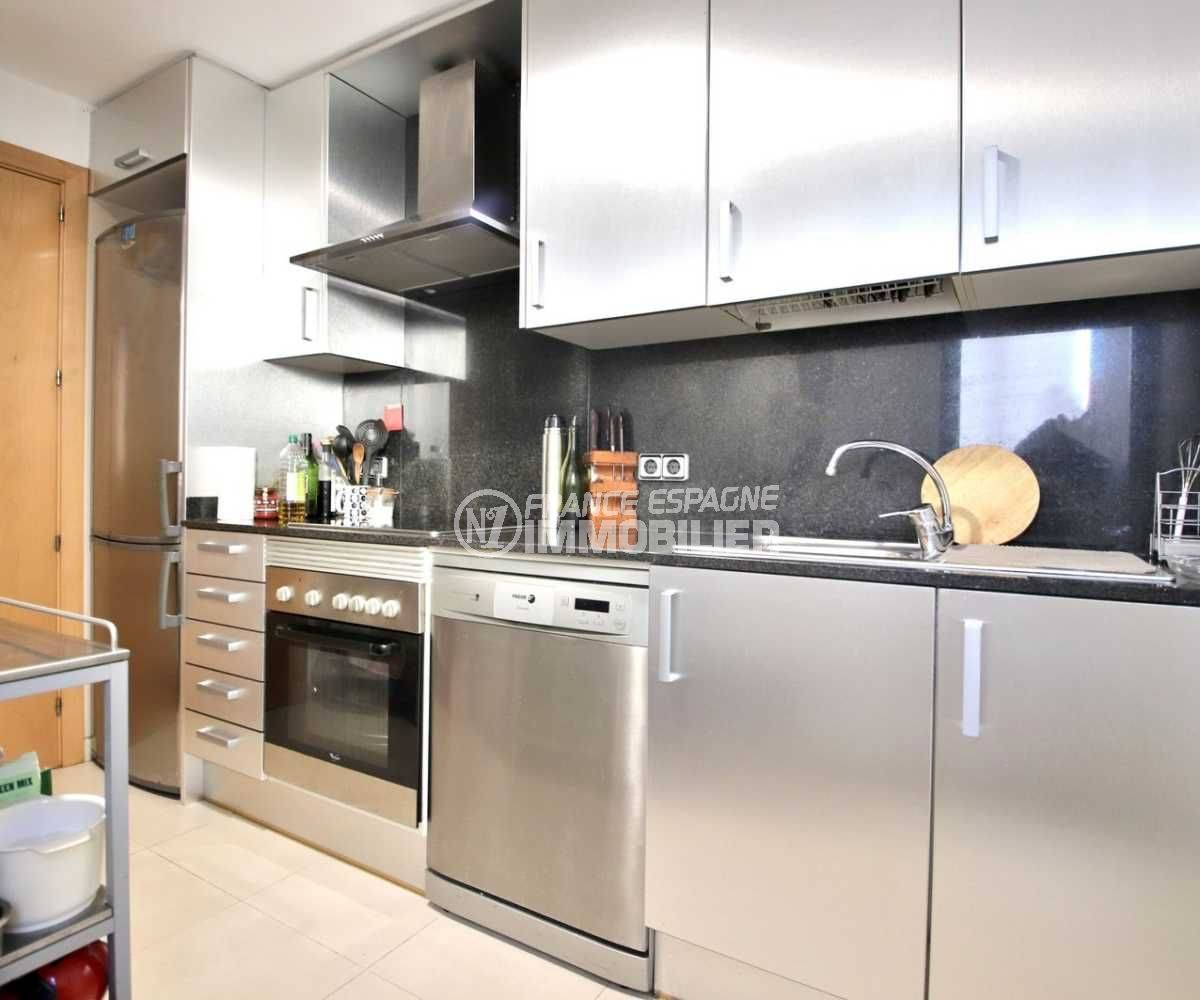 appartement a vendre costa brava, ref.3797, cuisine équipée avec accès séjour