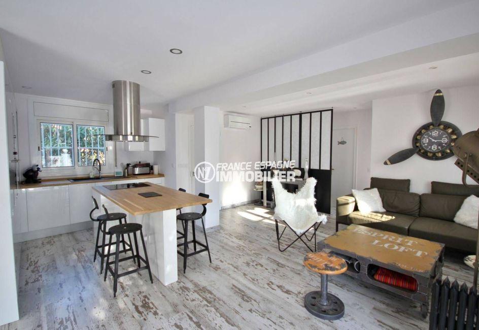 immobilier ampuriabrava: villa ref.3802, séjour coté salle à manger / cuisine américaine