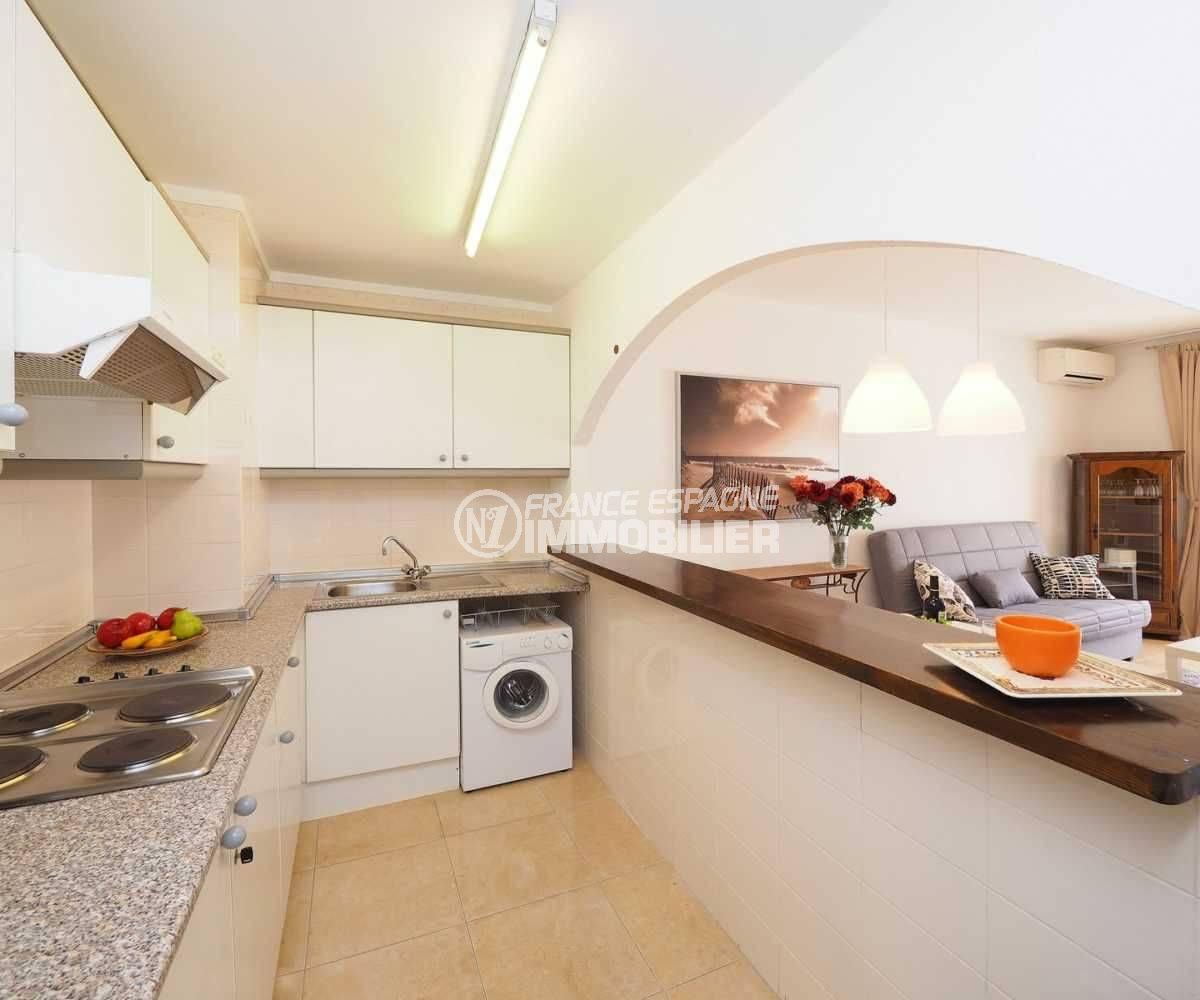 immobilier empuria brava: appartement ref.3783, vue rapprochée de la cuisine équipée