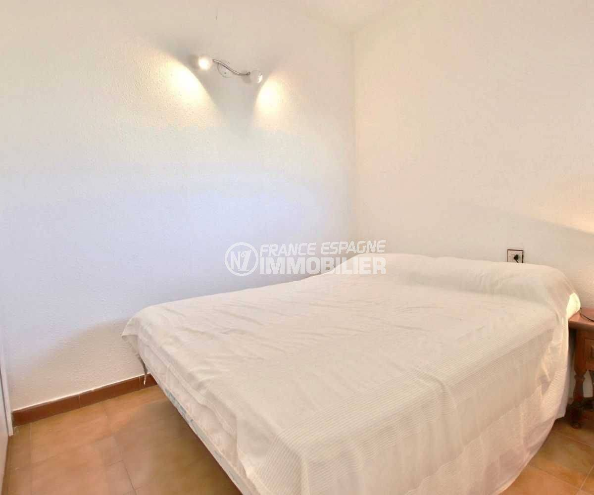 immobilier roses espagne: appartement ref.3779, chambre avec placards