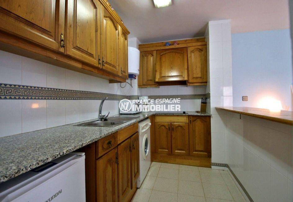 appartements a vendre a rosas, 41 m², cuisine américaine avec de nombreux rangements