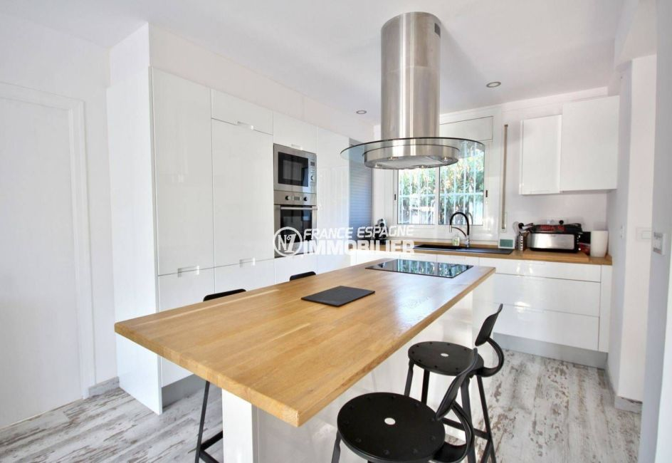 immobilier empuria brava: villa ref.3802, aperçu cuisine américiane équipée