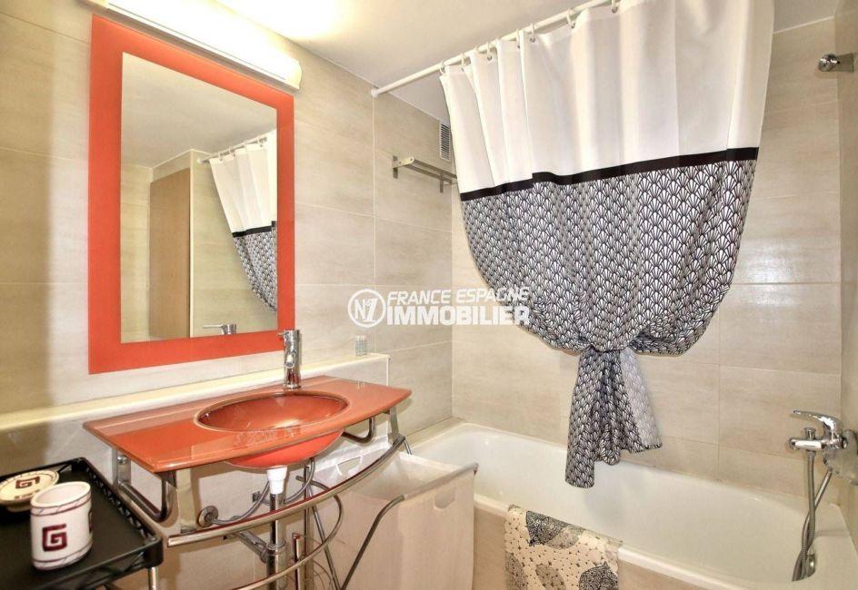 agence immo rosas: appartement ref.3781, aperçu de la salle de bains