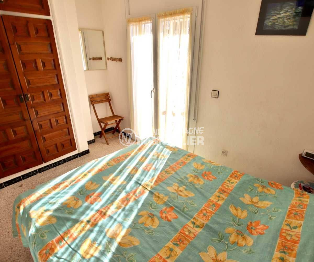 agence immobiliere costa brava: villa ref.3773, aperçu chambre 1 avec penderie intégrée