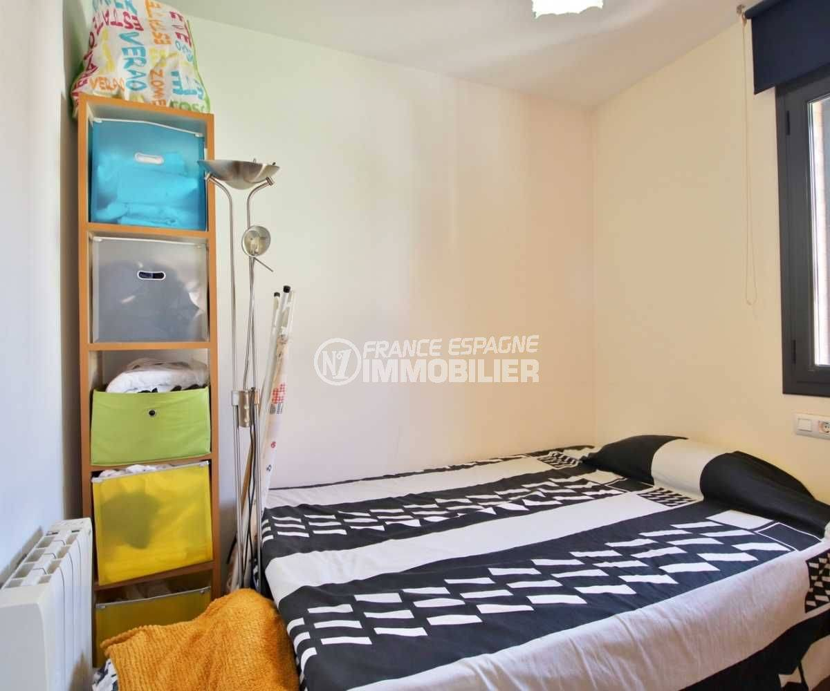 agence immobiliere costa brava: appartement ref.3797, seconde chambre