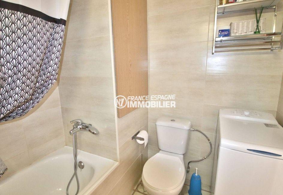 agence immobiliere rosas: appartement ref.3781, salle de bains et toilettes