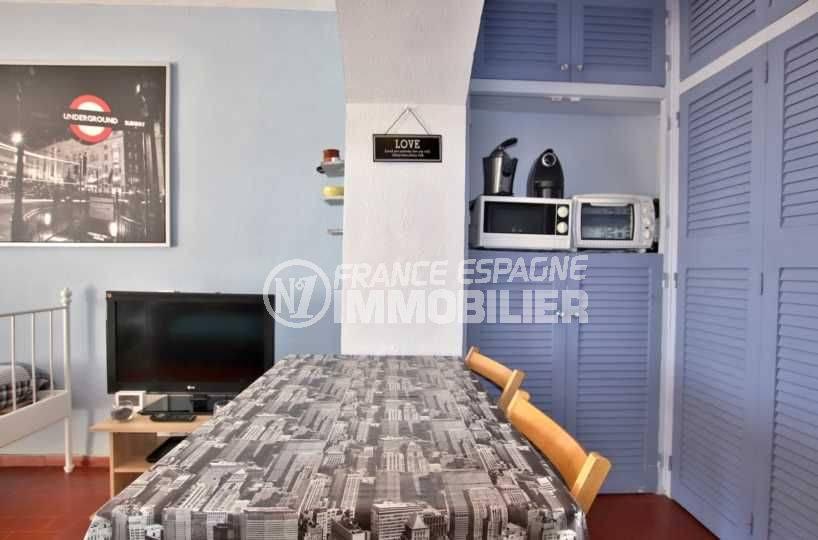 agence immobilière costa brava: studio ref.3787, table pour le repas dans le séjour