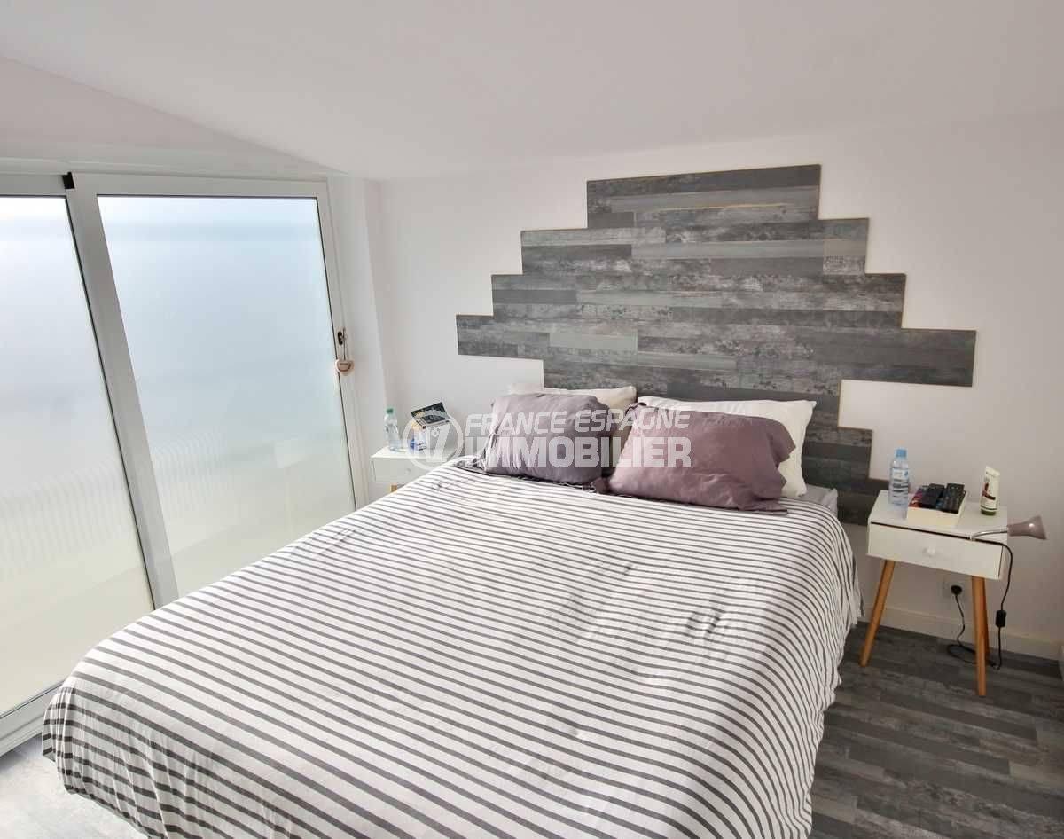 agence immo empuriabrava: villa ref.3802, seconde chambre avec grand lit et placards intégrés