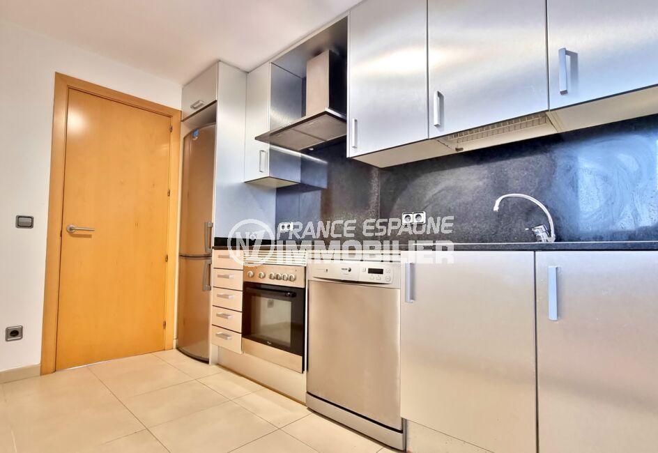 achat appartement rosas, 3 pièces 68 m² 2 chambres, cuisine équipée de plaques, four, hotte