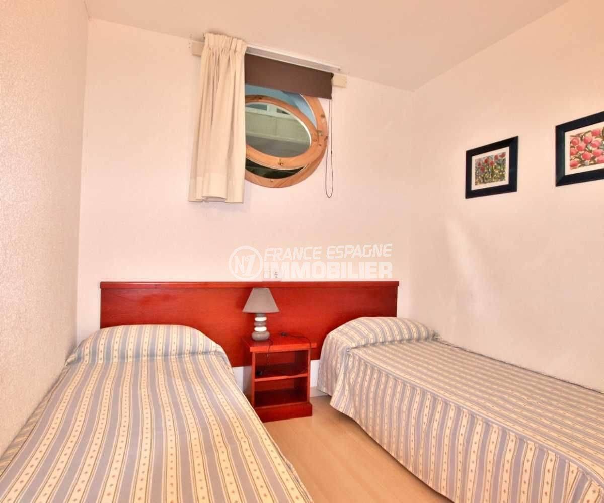 agence immobilière costa brava: appartement ref.3776, seconde chambre (double)