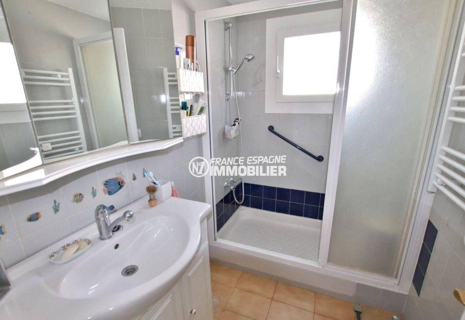 agence immobiliere costa brava: appartement ref.3785, aperçu de la salle d'eau