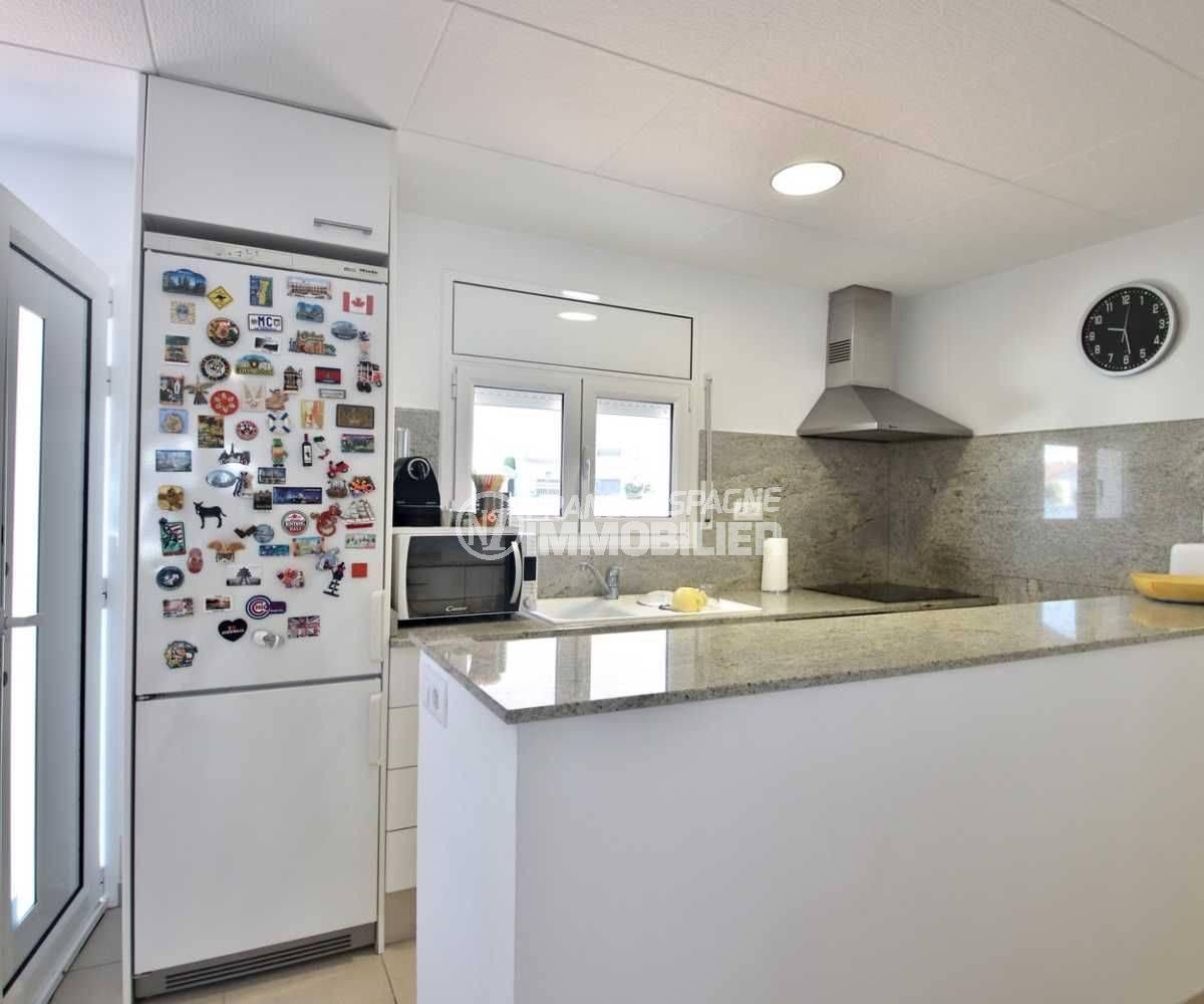 maison a vendre espagne bord de mer, ref.3796, cuisine aménagée ouverte sur le séjour