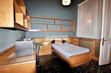 achat maison espagne costa brava, grande terrasse, troisième chambre avec lit simple
