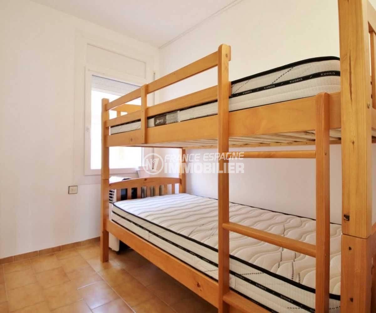 appartement a vendre costa brava, ref.3789, chambre 3 avec lits superposés