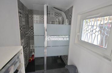 maison a vendre costa brava, ref.3802, la cabine de douche