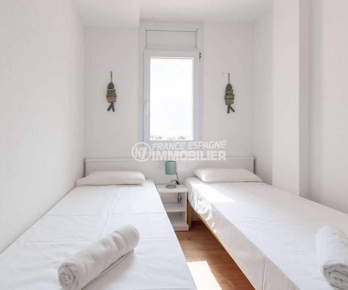 appartement rosas vente, ref.3805, seconde chambre avec 2 lits