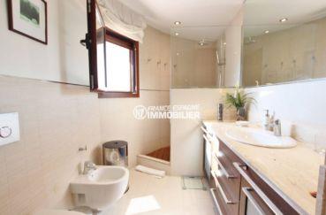 vente immobiliere rosas: villa 292 m², salle d'eau attenante à la suite parentale