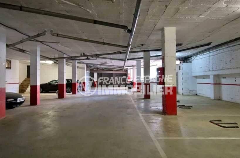 agence immobilière costa brava: appartement ref.3789, parking en sous sol