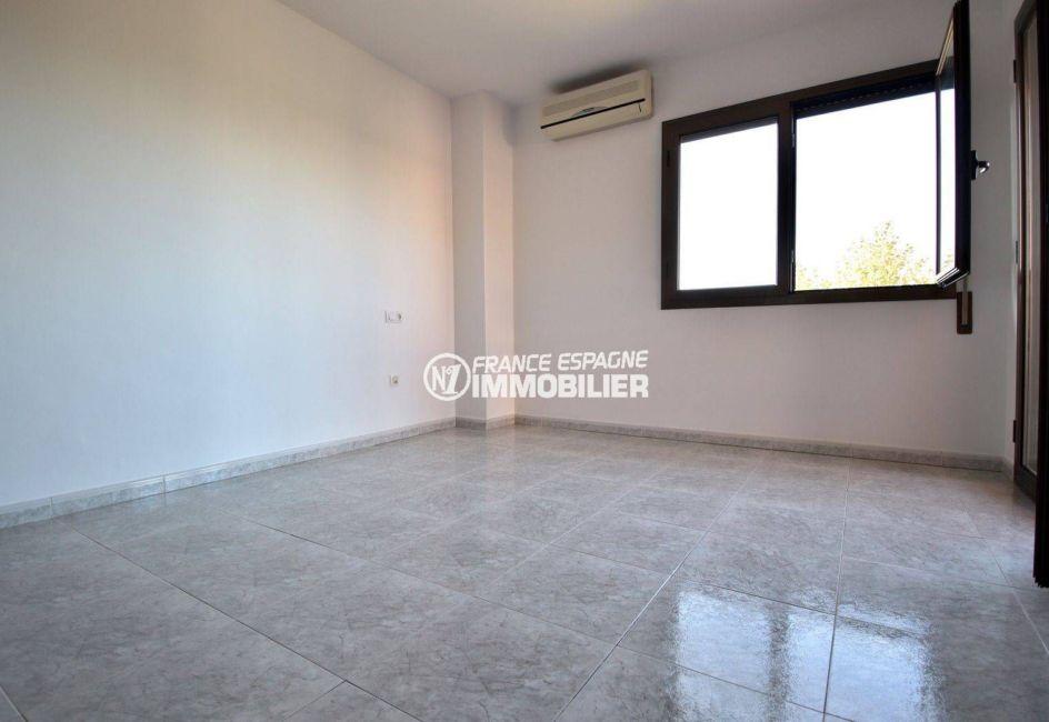 costa brava maison a vendre, ref.3801, troisième chambre avec climatisation