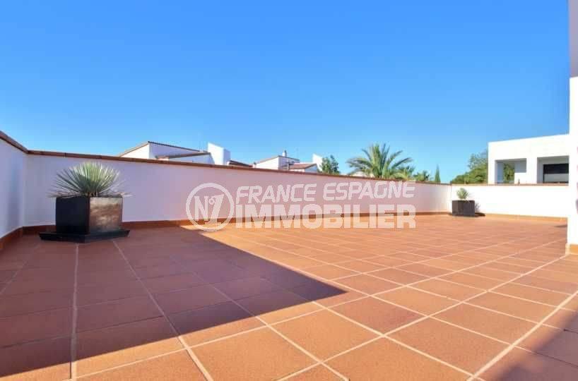 vente villa rosas, ref.3796, aperçu de la sublime terrasse solarium