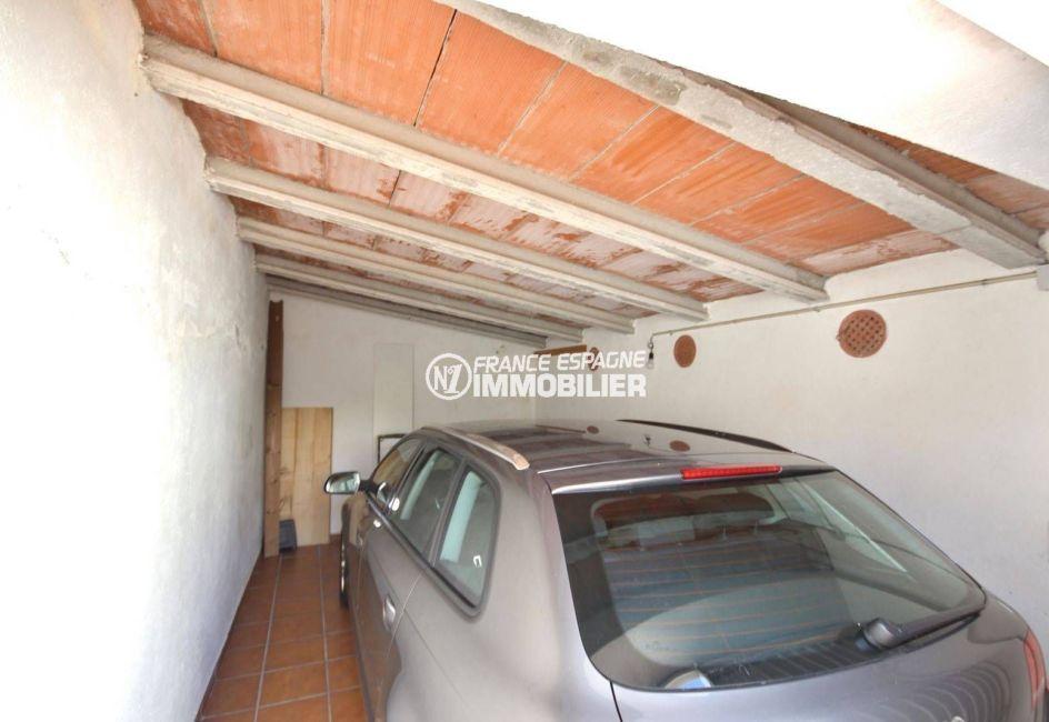 vente maison costa brava, empuriabrava, garage et parking cour intérieure