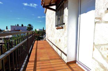 agence rosas: villa 292 m², accès extérieur pour appartement indépendant