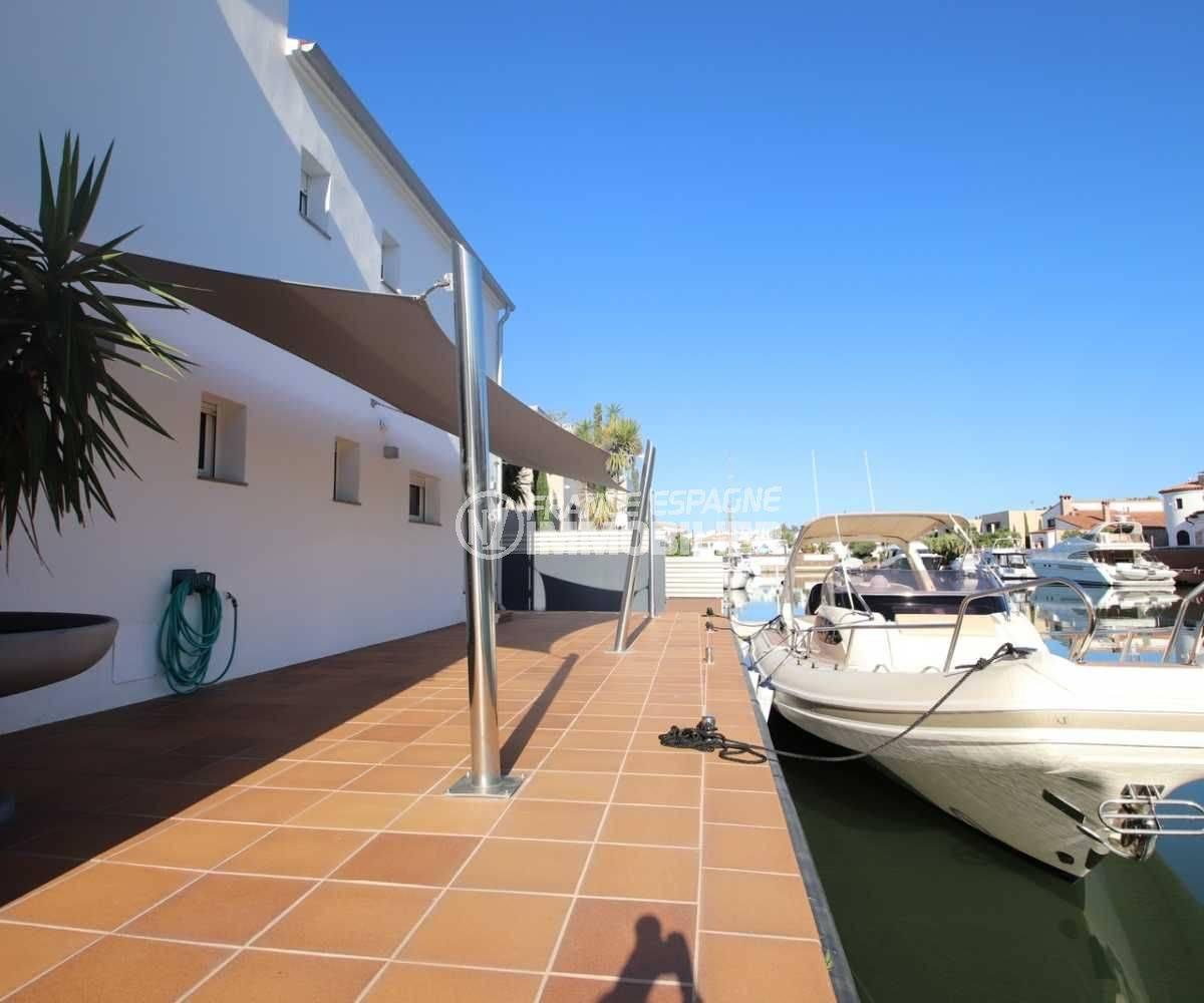 immo center rosas: villa ref.3796, amarre de 40 m avec rampe pour mise à l'eau privée